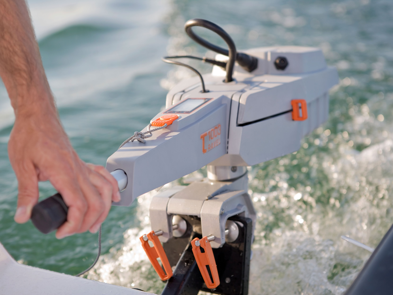 torqeedo-electric-outboard-travel-whitehall-rowing-and-sail
